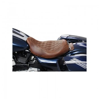 Mustang Wide Tripper™ Solo Diamond Pattern, Distressed Brown (Harley-Davidson® FL TOURING '08-17)